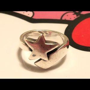 Retired James Avery Sterling Star Ring Sz8